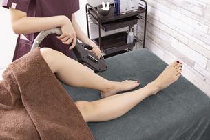 脱毛サロン・足の写真素材 [FYI04825678]