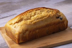 黒豆のパウンドケーキの写真素材 [FYI04825909]
