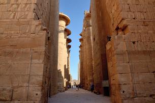 カルナック神殿の列柱の写真素材 [FYI04827690]