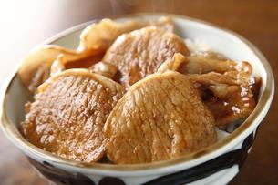 豚丼の写真素材 [FYI04828081]