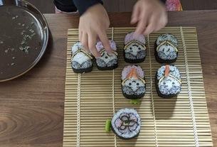 桃の節句 祭り寿司 クッキングの写真素材 [FYI04828381]