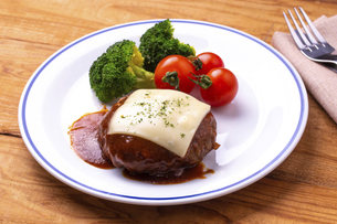 チーズハンバーグの写真素材 [FYI04828516]