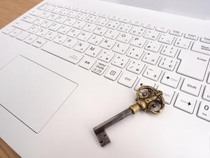 コンピュータのセキュリティイメージの写真素材 [FYI04829179]