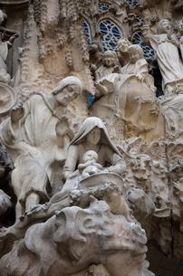 サグラダファミリア キリスト降誕の像の写真素材 [FYI04829308]