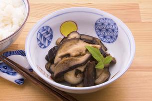 椎茸の佃煮の写真素材 [FYI04830861]