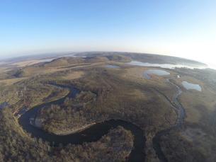 空撮・秋の釧路湿原(北海道・標茶町)の写真素材 [FYI04831433]