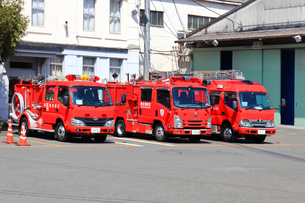 待機する消防車の写真素材 [FYI04831544]