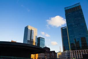 東京丸の内のビル群の写真素材 [FYI04832490]