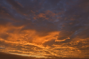 朝焼け雲の写真素材 [FYI04833323]