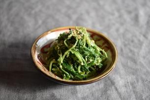 壬生菜の胡麻和えの写真素材 [FYI04834018]