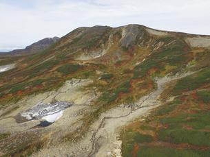 空撮・秋の白雲岳(北海道・大雪山)の写真素材 [FYI04834365]