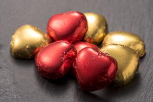 ハート型のチョコレートの写真素材 [FYI04834530]