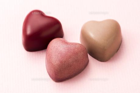 ハート型のチョコレートの写真素材 [FYI04834536]