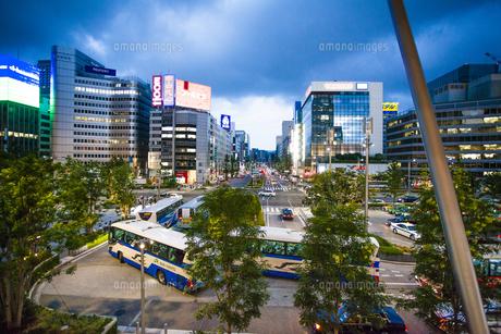 東京駅八重洲口の駅前広場の写真素材 [FYI04834625]