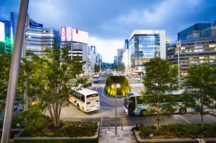 東京駅八重洲口の駅前広場の写真素材 [FYI04834626]