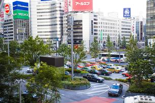 東京駅八重洲口の駅前広場の写真素材 [FYI04834628]