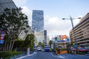 東京駅八重洲口の駅前広場の写真素材 [FYI04834629]