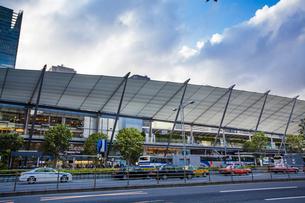 東京駅八重洲口グランルーフの写真素材 [FYI04834630]