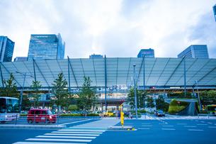 東京駅八重洲口グランルーフの写真素材 [FYI04834651]