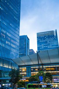 東京駅八重洲口グランルーフの写真素材 [FYI04834661]