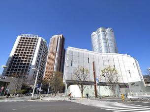 テレビ朝日ビルと六本木ヒルズ森タワー 東京都の写真素材 [FYI04835025]