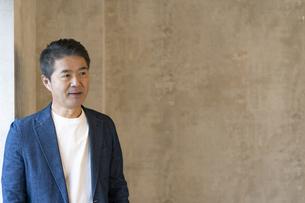 シニア世代の日本人ビジネスマンの写真素材 [FYI04835544]