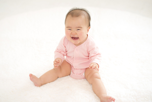 笑顔の赤ちゃんの写真素材 [FYI04835865]