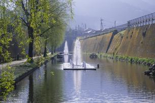 春の高森湧水トンネル公園の写真素材 [FYI04836047]