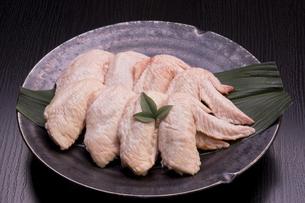 国産鶏手羽肉の写真素材 [FYI04836108]