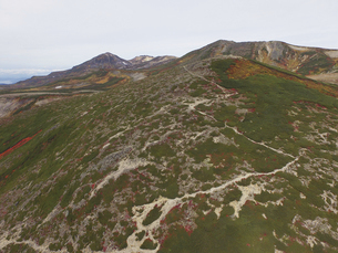 空撮・秋の緑岳(北海道・大雪山)の写真素材 [FYI04836301]