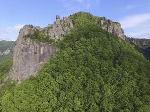 空撮・天狗の引き臼岩(北海道・層雲峡)の写真素材 [FYI04836311]