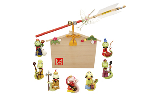 ヘビの七福神と絵馬飾りの写真素材 [FYI04837035]