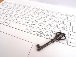コンピュータのセキュリティーイメージの写真素材 [FYI04837084]
