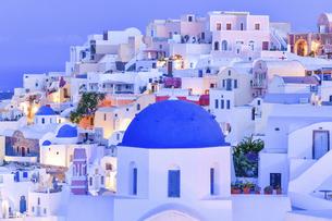 ギリシャ サントリーニ島の街並みの写真素材 [FYI04837361]