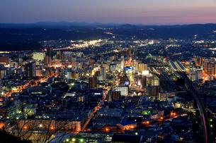 福島市街夜景の写真素材 [FYI04837739]