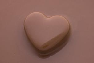 ハートチョコレートの写真素材 [FYI04838107]