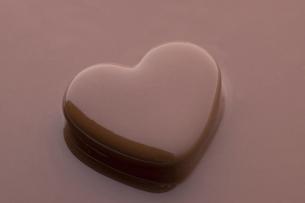 ハートチョコレートの写真素材 [FYI04838108]