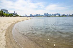 東京・お台場のビーチの写真素材 [FYI04838241]