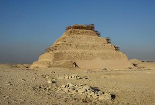 サッカラの階段ピラミッド の写真素材 [FYI04839250]