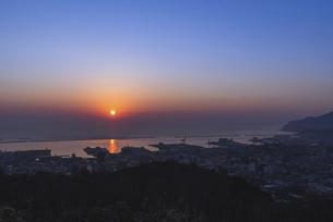 小樽からの日の出の写真素材 [FYI04839741]