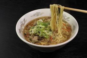 酸辣湯麺の写真素材 [FYI04840026]