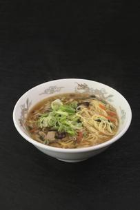 酸辣湯麺の写真素材 [FYI04840028]