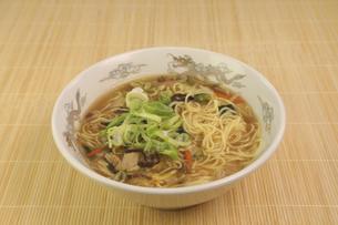 酸辣湯麺の写真素材 [FYI04840032]