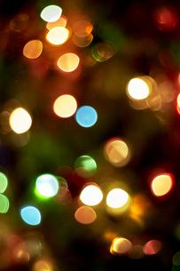 カラフルな光の球の写真素材 [FYI04841432]
