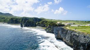 上空から眺める辺戸岬の写真素材 [FYI04842241]