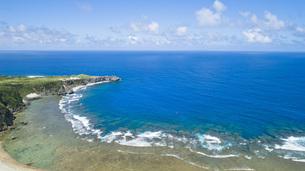 上空から眺める辺戸岬の写真素材 [FYI04842266]