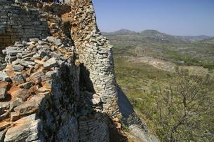 世界遺産グレートジンバブエ遺跡から眺める風景の写真素材 [FYI04842600]