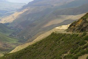 南アフリカとレソトを結ぶ峠道サニパスの写真素材 [FYI04842613]