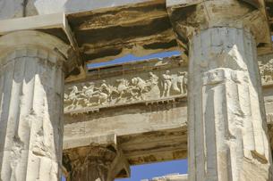 アテネ・パルテノン神殿のフリーズのレリーフ装飾の写真素材 [FYI04842618]
