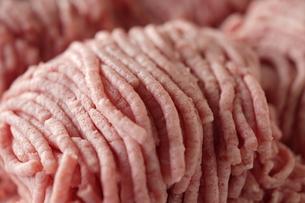 牛肉と豚肉の挽肉の写真素材 [FYI04842696]
